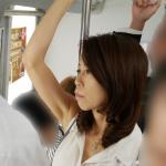 電車で弄ばれた痴漢テクにメス堕ちし自ら犯されに行くおばさん