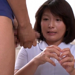 自らの身体を使い採精を手伝う欲求不満の熟女看護師