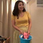 「私おばさんだけどいいの?」童貞の客にNTR中出しされる家事代行のムチムチ人妻熟女